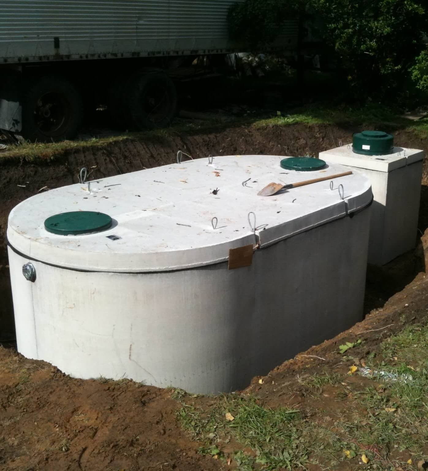 Plant Precast Concrete Septic Tank Construction : Septic tanks precast concrete